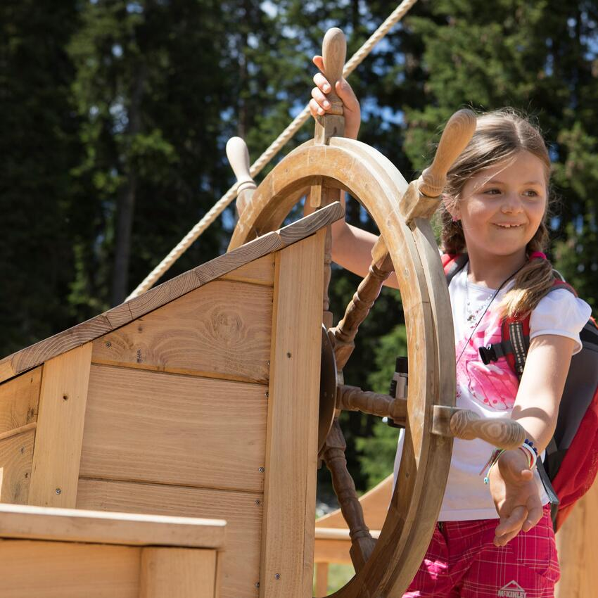 child on pirate boat in serfaus