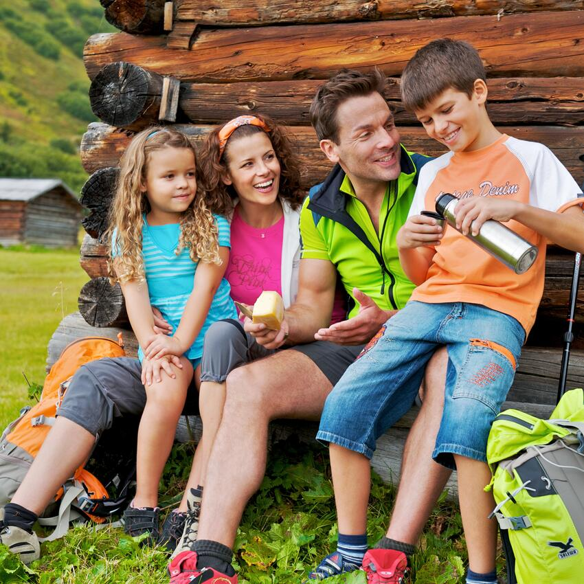 family summer hiking tyrol