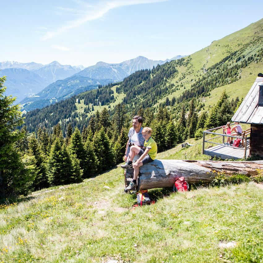 hiking with kids hotel serfaus