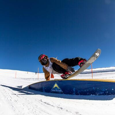 freestyle snowboarding fun park