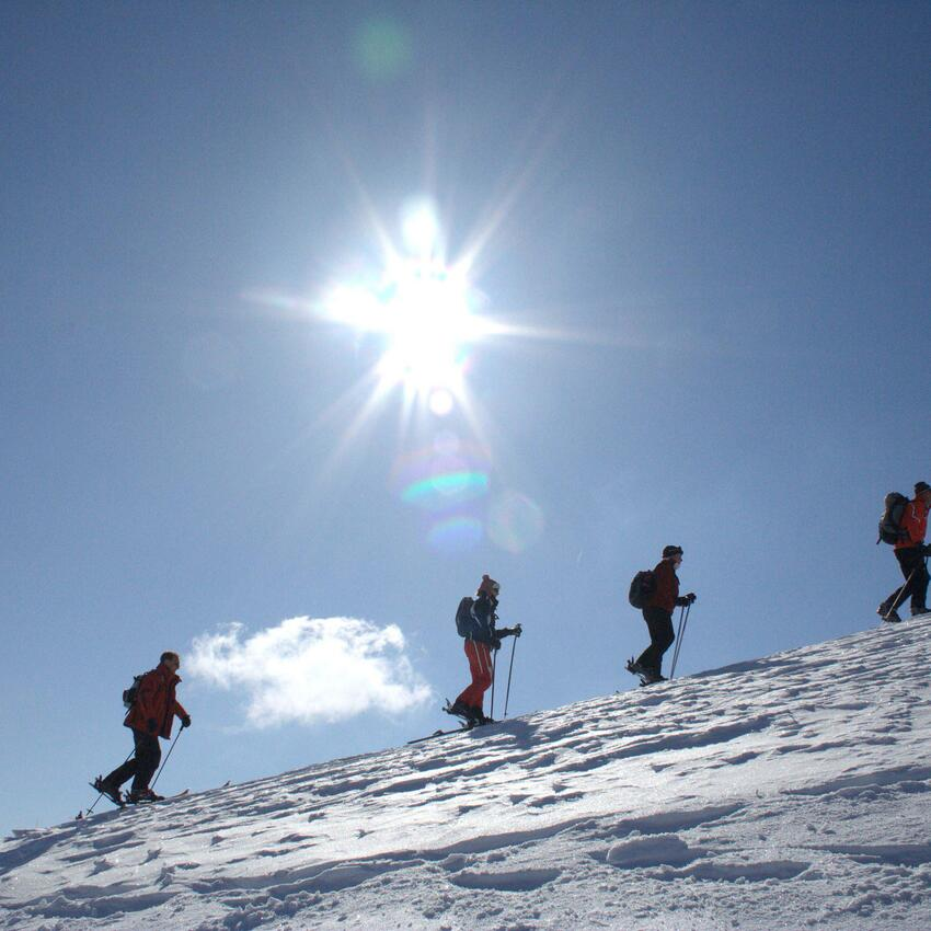 group ski tour winter holiday serfaus